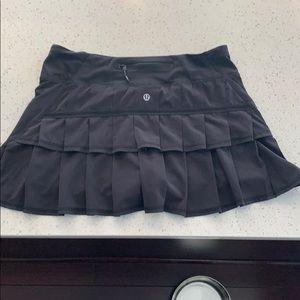 Lululemon Ruffle Skirt Size 6 EUC